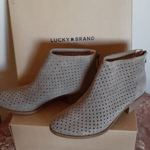 Lucky Bergyn Boots in Color Brindle
